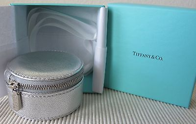 3b2e18f0c5 NEW ~ Authentic TIFFANY & CO ~ SILVER Textured LEATHER ~ ZIP JEWELRY Travel  CASE