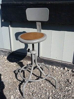 """Lot Of 6 Vintage Industrial Adjustable 22"""" To 29"""" Stools With Backs - Very Nice"""