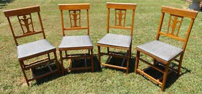 Vintage Set Of 4 Folding Wood Chairs With Padded Vinyl Covered Church Wedding