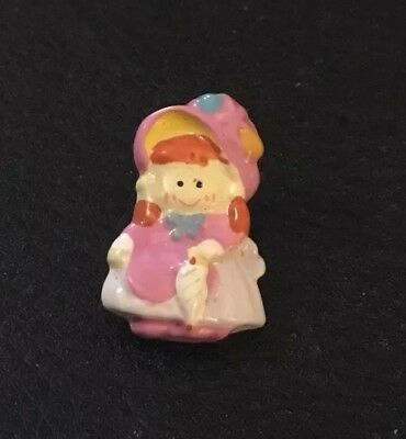 """Vintage 1"""" Realistic Novelty Goofy Plastic Cute Young Girl With Umbrella Button"""