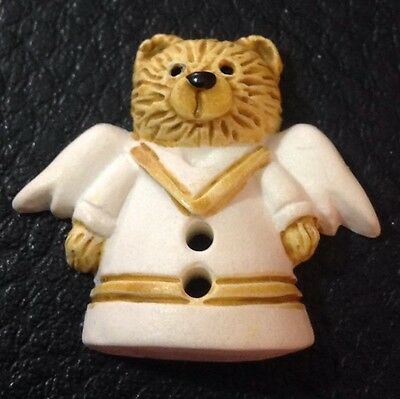 "Vintage 1"" Realistic Novelty Figural Plastic Brown And White Angle Bear Button"