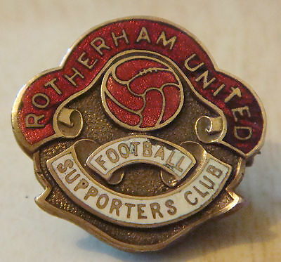 ROTHERHAM UNITED Vintage SUPPORTERS CLUB Badge Maker FATTORINI Sons 26mm x 25mm