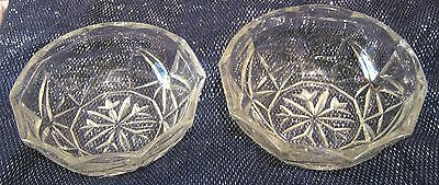 2x very pretty glass bowls in a wonderful style approx 4¾ ins diameter