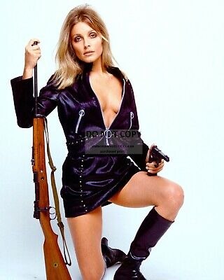 Actress Sharon Tate - 8X10 Publicity Photo (Rt871)