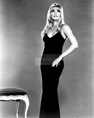 Actress Sharon Tate - 8X10 Publicity Photo (Rt877)