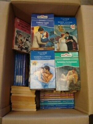 125 x Mills and Boon Books Job Lot