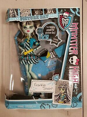 Monster High Picture Day Frankie Stein Y7697 *Damged Box*