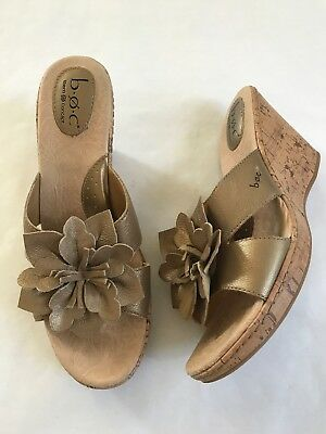 5580c508be31 B.O.C Cork Wedge Heels Sandals Gold Leather Flower Strap Womens Size 11