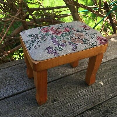 Wooden Piano Stool Chair Seat For Doll Or Teddy Bear Display Doll House 11.5cm