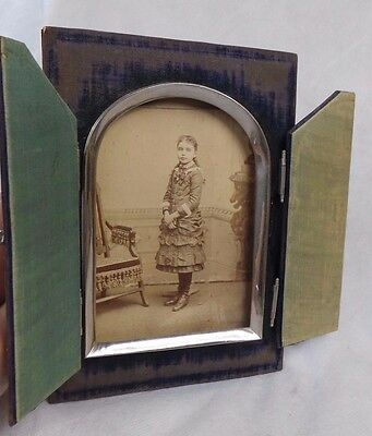 Antique Picture Frame & Antique Photo From 1882 Signed