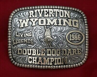 VINTAGE RODEO BUCKLE 1986 RIVERTON WYOMING BULL RIDING CHAMP Engraved Signed 379
