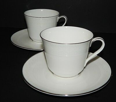 2 Royal Doulton Amulet Pattern H4998 Cup & Saucer 549568 Fine Bone China England
