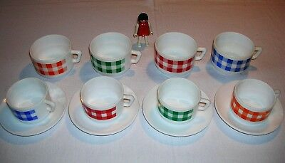 8 tasses arcopal mod. Vichy  vintage coffee cups from the 70's