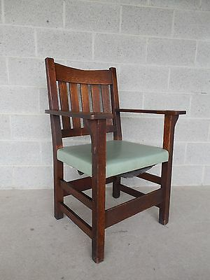 Gustav Stickley Mission Oak Arts & Crafts V Back Arm Chair