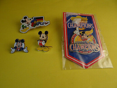 LOT Disney Pin Mickey x 4 pins