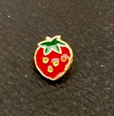 "⭐️ Vintage 1/2"" Realistic Novelty Figural Metal Strawberry 🍓 Fruit Buttons"