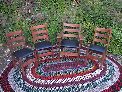 Antique Gustav Stickley Set of 4 Chairs  inv4855