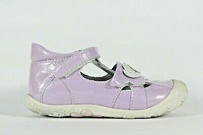 NOEL Mini Isa lilac patent leather little girl's closed toe and heel sandal