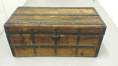 TRUNK CHEST STEAMER CIRCA 1800 WOODEN  see pics THE MORNING CHRONICLE NEWSPAPER