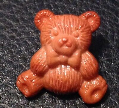 """Vintage 13/16"""" Realistic Novelty Figural Plastic Brown Bear  Button"""