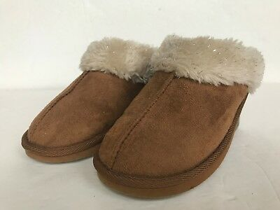 625f9f43470c3 GIRLS SIZE 6 AIRWALK SLIPPERS Fur Lined Leather Moccasins - $0.99 ...