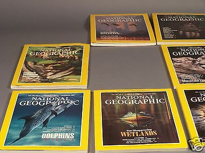 Vintage National Geographic Magazines From 1992 - 9 Issues with 2 Maps
