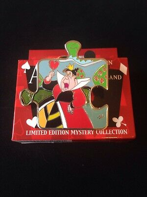 Disney Queen Hearts Alice Wonderland Character Chaser Puzzle Pin LE600 Authentic