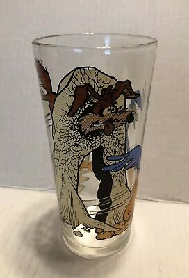 Vintage Rare Pepsi 1976 Wile E Coyote Road Runner Hitting A Wall Tumbler Glass