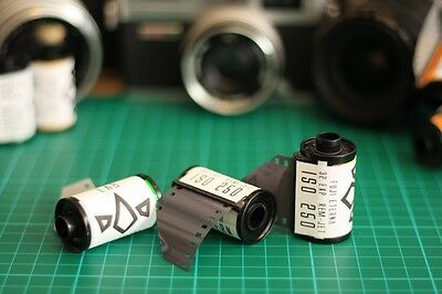 5 x Fuji Eterna 250D Daylight 35mm colour film for still camera cine