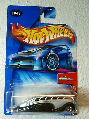 2004 HOT WHEELS First Editions CROOZE LOW FLOW #049 (2003 Card Variation)