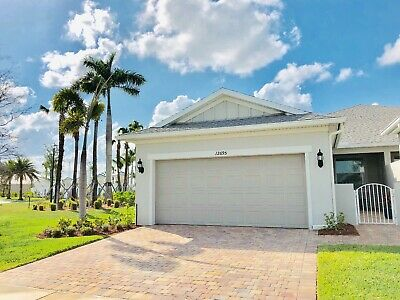 DEL WEBB  FLORIDA- This newly built BEAUTIFUL Cressida Is Available NOW!