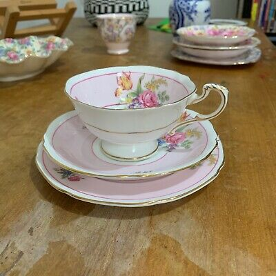 Paragon Vintage Bone China Floral Trio Tea Cup Saucer Plate England A1138 A/f