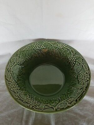 "Vintage BORDALLO PINHEIRO Portugal Majolica Green Grape Vines 12.5"" Serving Bowl"