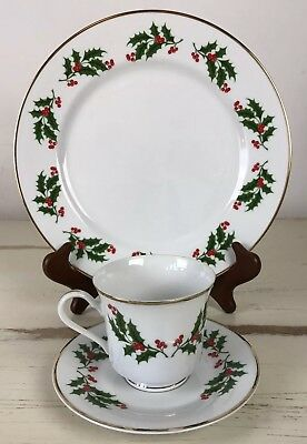 Fine China Cup Saucer & Dinner Plate Christmas Holly Berry Gold Rim Dishes