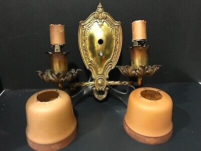 ANTIQUE EARLY 20th CENTURY CAST BRASS BRONZE LIGHTED  WALL SCONCE WITH SHADES