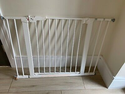 BabyDan White Danamic Indicator Safety Stair Gate Pressure Fit Baby Gate