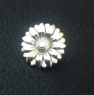 """Vintage 5/8"""" Realistic Novelty Figural Cute Metal Flower Button"""