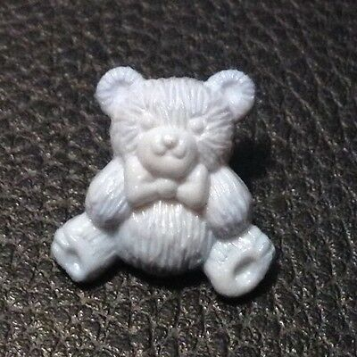 "Vintage 13/16"" Realistic Novelty Figural Plastic Blue Bear  Button"