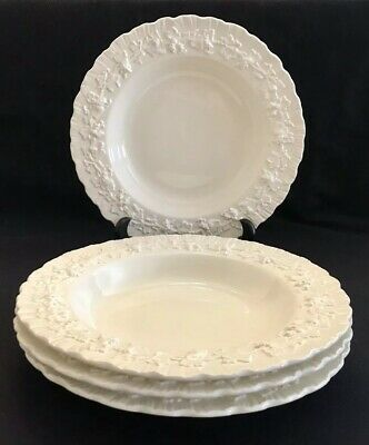 "WEDGWOOD QUEENSWARE Cream On Cream SET OF 4 RIM SOUP BOWLS 8"" Shell Edge PERFECT"