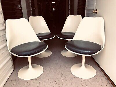4 Saarinen Side Tulip Chairs Pedestal Collection Knoll Associates Early 1960's