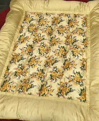 Beautiful Vintage Retro Yellow Rose Satin Feather Eiderdown Bed Spread Cover