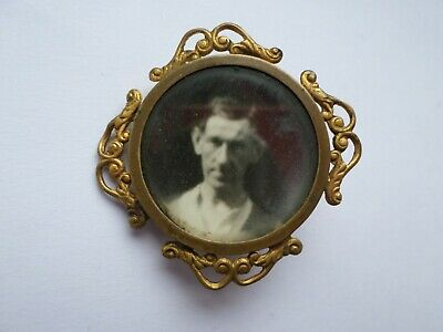 Antique late 19th or early 20th century photo brooch