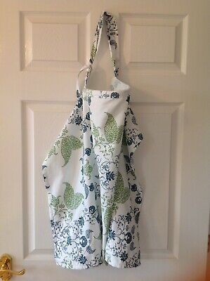 Bebe au lait nursing cover. Used but very good condition.