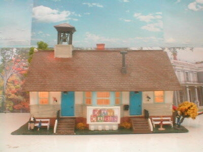 HO scale building School Day Care Weathered detailed w/lights