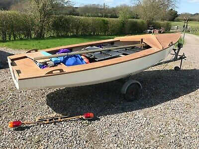 420 SAILING/RACING DINGHY + Combination Trailer - £480 00