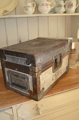 Old Vintage Metal Military Army Handy Storage Trunk -  GREAT INDUSTRIAL LOOK
