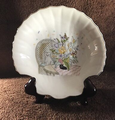 Made in Japan Beautiful /& Collectible Vintage Ceramic Shell Soap Dish