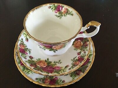 Royal Albert Old Country Roses Tea Cup and Saucer Teacup Trio