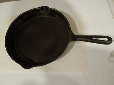"""Vintage #9 GSW (10 3/4"""") Cast Iron Skillet Fry Pan Made in Canada"""