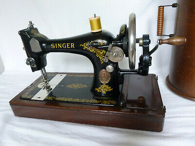 Antique Singer 128K Sewing Machine In Good Sewing Order.